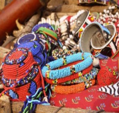 http://maasaijournals.com/wp-content/uploads/2013/05/maasai-beads2-300x225.jpg
